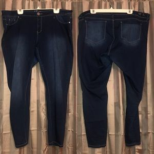YMI Dark Wash Highlighted Skinny Jeans